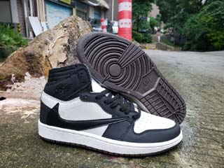 Air Jordan 1 Women Retro-28
